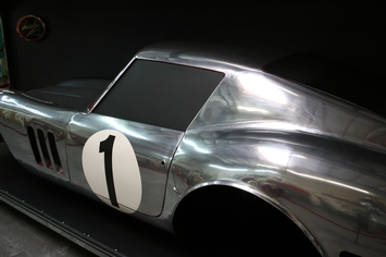 Rearquarter panel and the side of the body